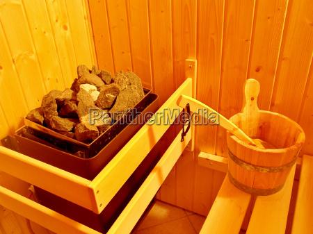 saunaofen und aufgusseimer