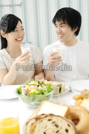 couple eating meal
