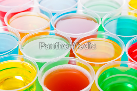 blau glas becher trinkgefaess kelch trinken