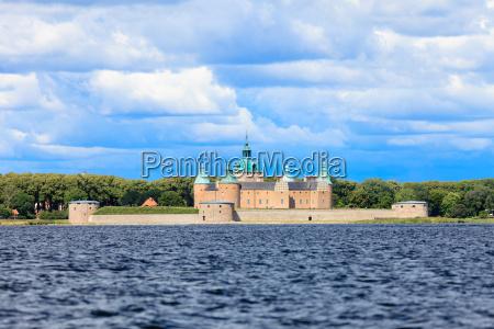 zabytkowy zamek kalmar w szwecji skandynawii