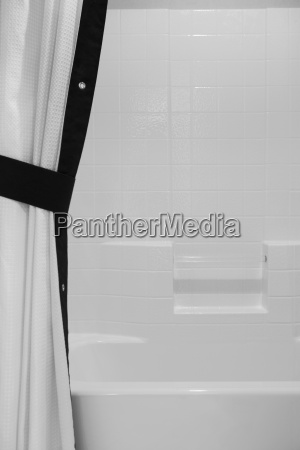 schwarz und weiss duschvorhang und dusch