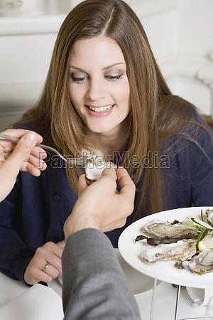 frau, restaurant, menschen, leute, personen, mensch - 11360987