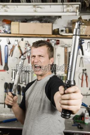 arrangement tools colour workshop silver wall