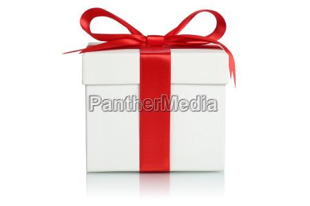 geschenk mit band fuer weihnachtsgeschenke geburtstag
