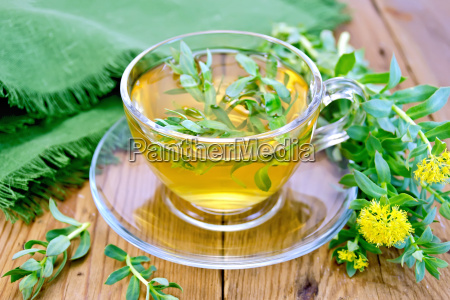 herbal tea in cup with rhodiola