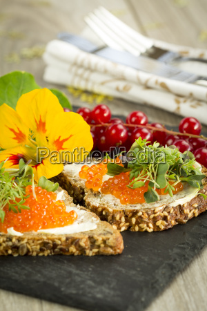slices of wholemeal bread with butter