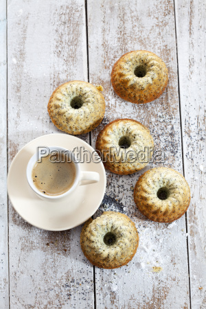 five mini gugelhupf with poppy seed