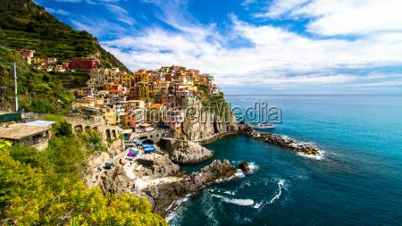 manarola fishing village cinque terre italy