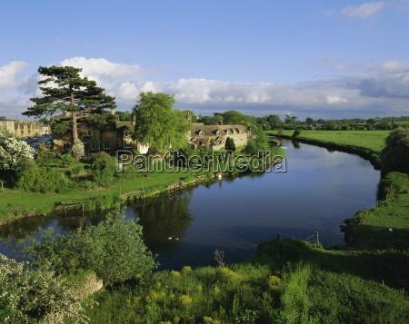 wansford in england river nene near