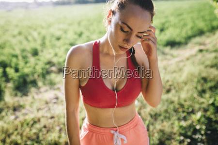 italy tuscany sportswoman headphones