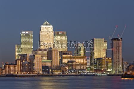 uk london skyline of canary wharf