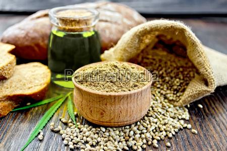 flour hemp in bowl with bread