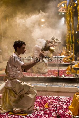 fahrt reisen religion glaube kultur symbolisch