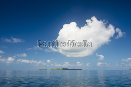 very flat ocean mamanuca islands fiji