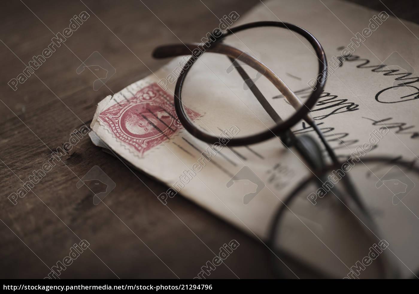 antike, brillen, mit, umschlag - 21294796