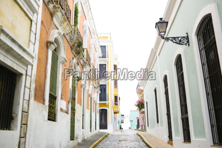 puerto rico san juan narrow streets